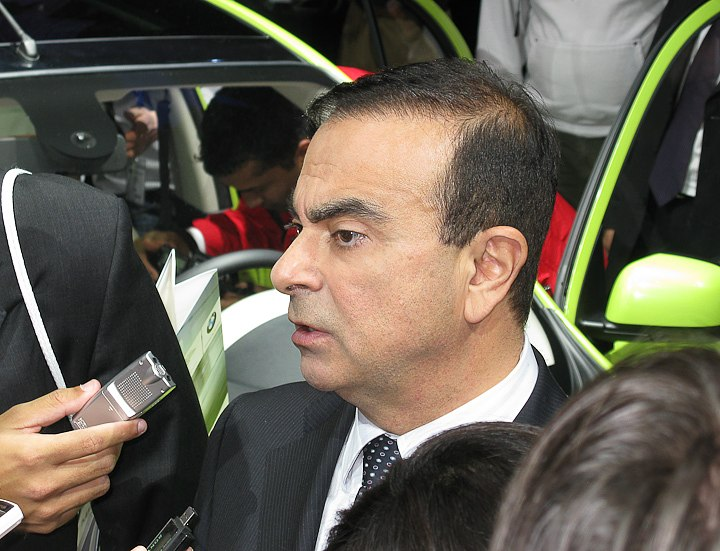 Ghosn.jpg - [it]Carlos Ghosn (1954), amministratore delegato e presidente Renault e Nissan, al Salone di Ginevra 2010. Libanese nato in Brasile, è anche nel Consiglio d'amministrazione di Sony, Ibm e Alcoa[en]Carlos Ghosn (1954-), Renault and Nissan CEO & President, at 2010 Geneva Motor Show. Lebanese, brazilian born, he is also on the board of Sony, Ibm and Alcoa